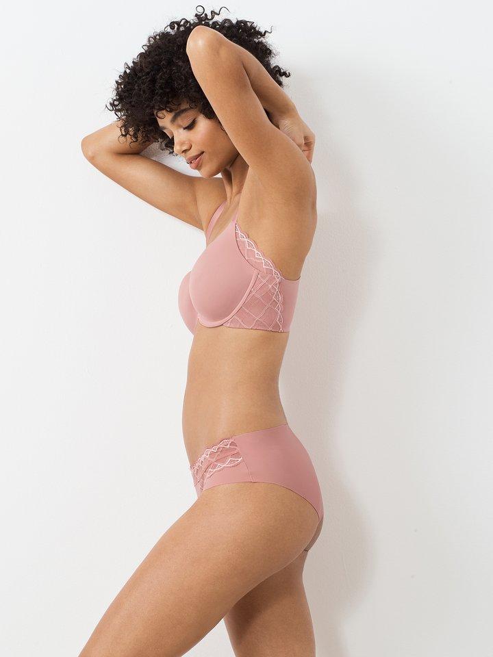 true & co, lingerie, bra, underwear, breast cancer awareness,